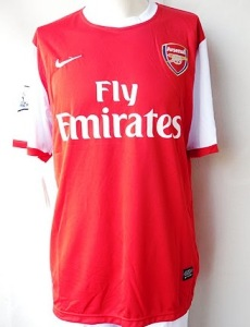 Arsenal home kit 2011.jpg