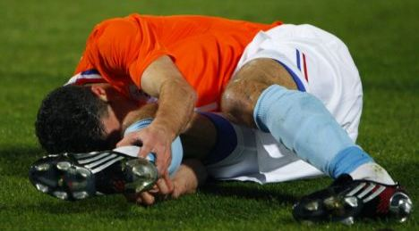 Van Persie injured.jpg